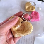 mothers-day-craft-heart-thumbprint-keychain-09