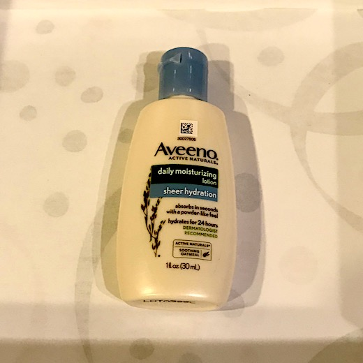 Walmart Beauty Box Winter 2018 - Aveeno Lotion